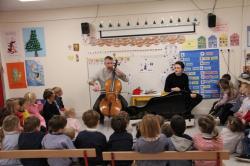 Un violoncelliste en PS
